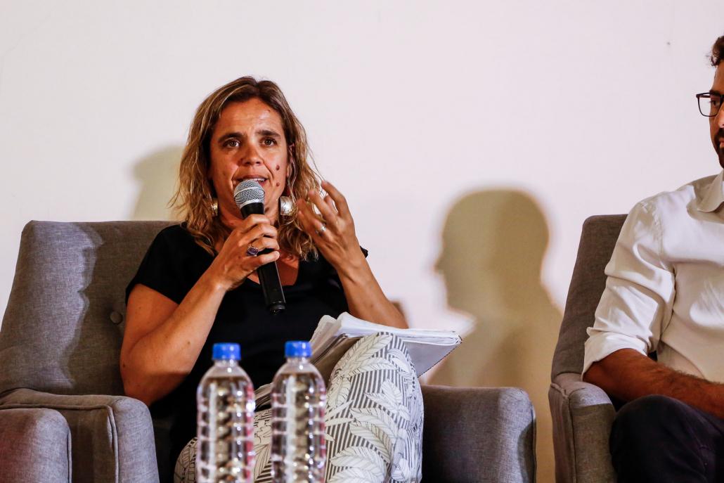 """Ana Pecoraro, de El Faro de Mar del Plata, sostuvo que """"pensar el turismo es una tarea importante que tiene muchas aristas"""" y que """"hay que pensar políticas que lo fomenten, pero igualmente cuiden a las comunidades locales""""."""